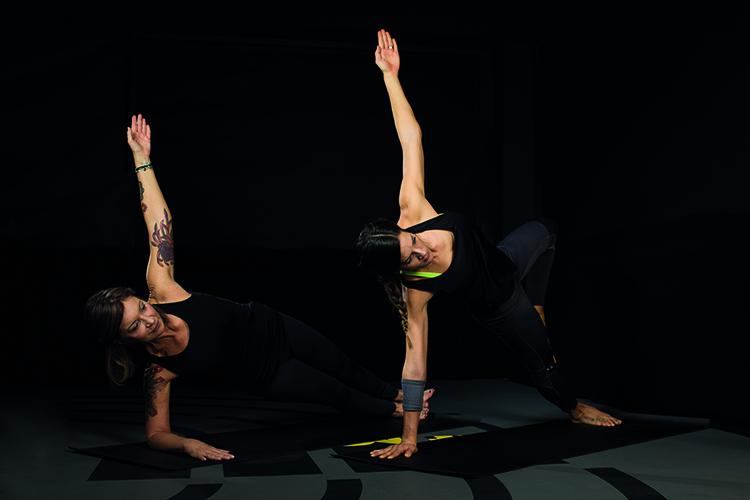 ChiYoga mit Luna Schmidt und Julia Dujmovits