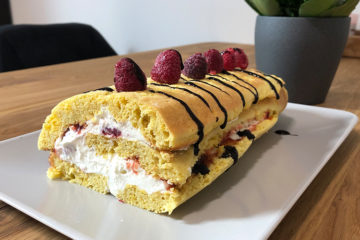 LOW CARB HIMBEER ROULADE