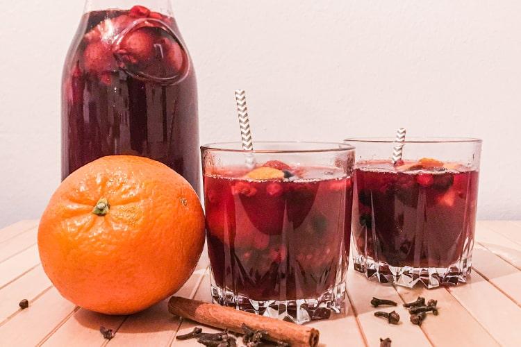 Punsch mit Früchten